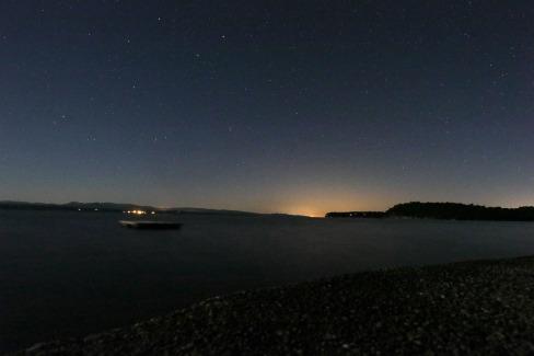 1 am stars on lake